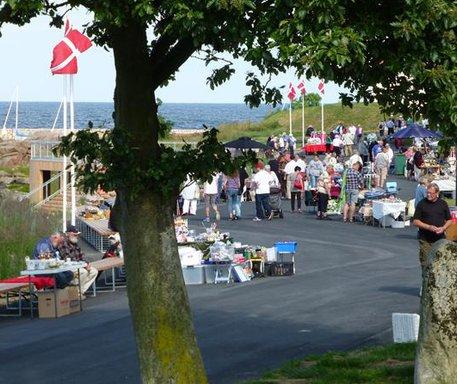 Tirsdagsmarked på Strandpromenaden i Sandvig